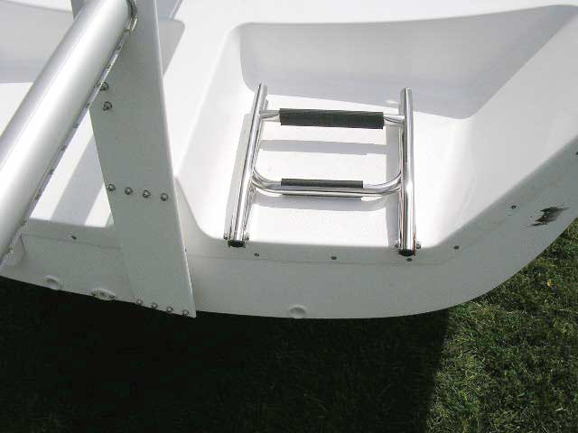Rudder lift tang detail